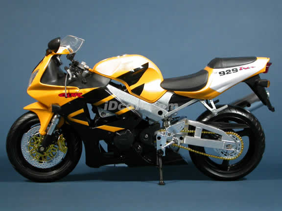 Honda CBR 929RR Model Diecast Motorcycle 1:6 die cast by NewRay - Yellow