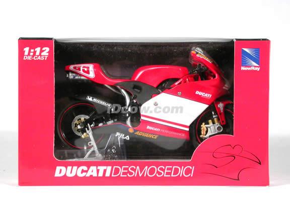 Ducati Desmosedici Loris Capirossi #65 diecast motorcycle 1:12 scale die cast by NewRay