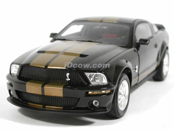 2007 Ford Mustang Shelby GT500 diecast model car 1:18 scale die cast by Shelby Collectibles- Black Gold 75004