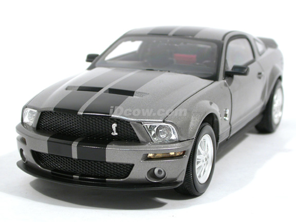2007 Ford Mustang Shelby GT500 diecast model car 1:18 scale die cast by Shelby Collectibles - Grey 75005