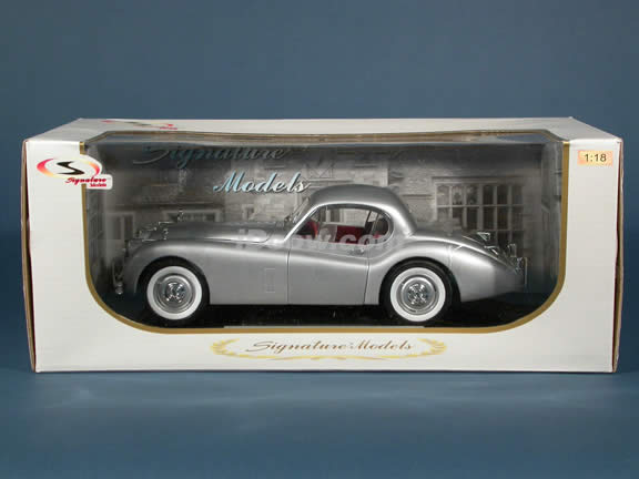 1949 Jaguar XK120 diecast model car 1:18 scale die cast by Signature Models - Silver