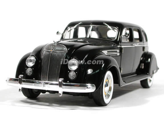 1936 Chrysler Airflow diecast model car 1:18 scale die cast by Signature Models - Black