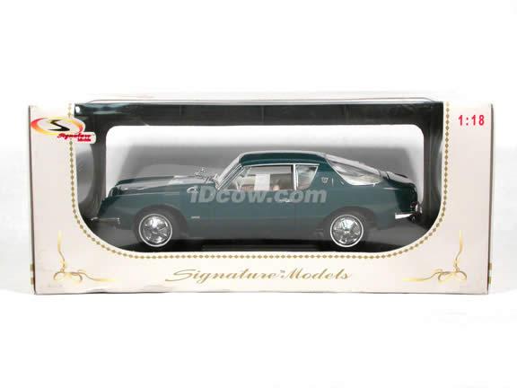 1963 Studebaker Avanti diecast model car 1:18 scale die cast by Signature Models - Blue