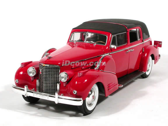 1938 Cadillac Fleetwood V16 diecast model car 1:18 scale die cast by Signature Models - Red