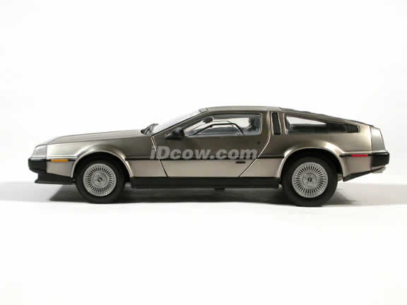 1981 DeLorean LK Diecast model car 1:18 scale die cast by Sun Star - Stainless Steel