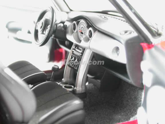 2003 Mini Cooper diecast model car 1:18 scale die cast by AUTOart - Red & White Stripes