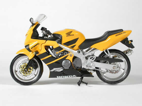Honda CBR600 F4 Model Diecast Motorcycle 1:12 die cast by NewRay - Yellow