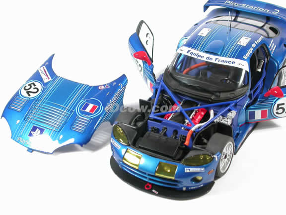 2002 Dodge Viper GTSR diecast model Lemans Race Car #52 1:18 scale die cast by AUTOart