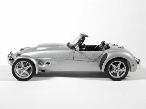 1998 Panoz AIV Roadster diecast model car 1:18 scale die cast by AUTOart - Silver