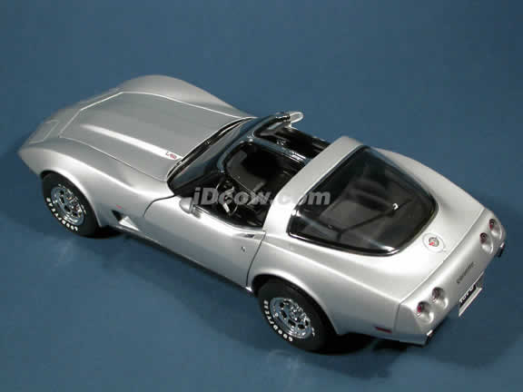 1978 Chevrolet Corvette 25th Anniversary diecast model car 1:18 scale die cast by UT Models - Silver