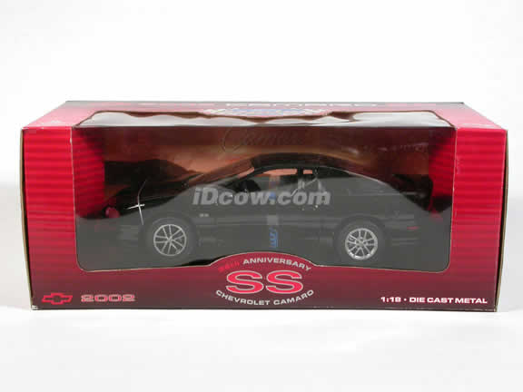 2002 Chevrolet Camaro SS diecast model car 1:18 scale die cast by Welly - Black