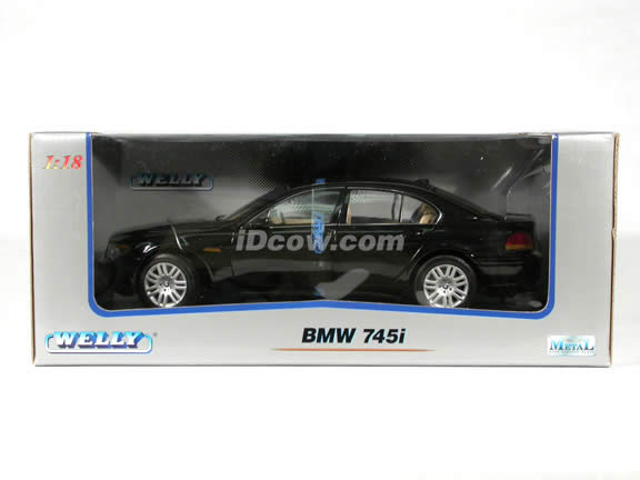 2002 BMW 745i diecast model car 1:18 scale die cast by Welly - Black