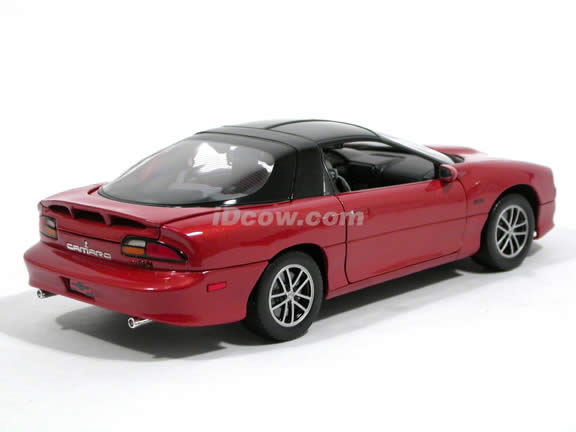 2002 Chevrolet Camaro SS diecast model car 1:18 scale die cast by Welly - Red Orange