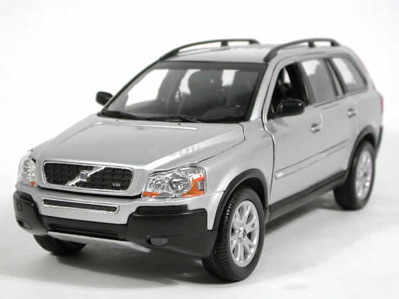 2005 Volvo XC90 V8 diecast model car 1:18 scale die cast by Welly - Silver 12549w