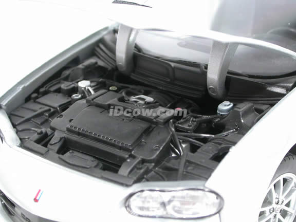 2002 Chevrolet Camaro SS diecast model car 1:18 scale die cast by Welly - Silver 9861W