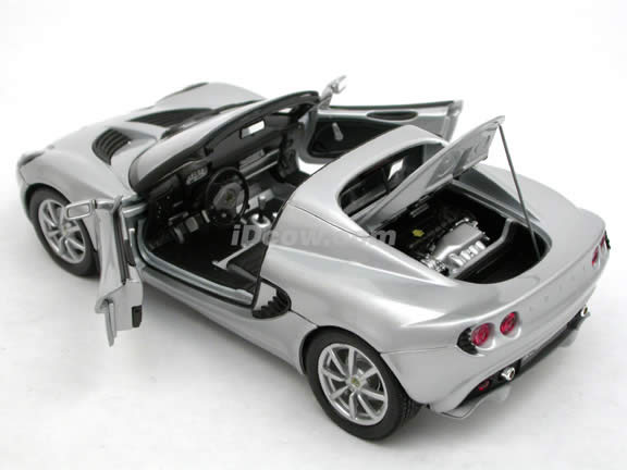 2003 Lotus Elise 111s diecast model car 1:18 scale die cast by Welly - Silver 2535W