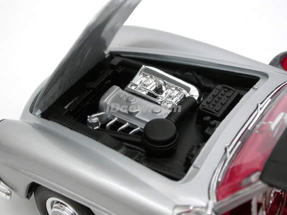 1955 Mercedes Benz 190SL diecast model car 1:18 scale die cast by Welly - Silver 19841H