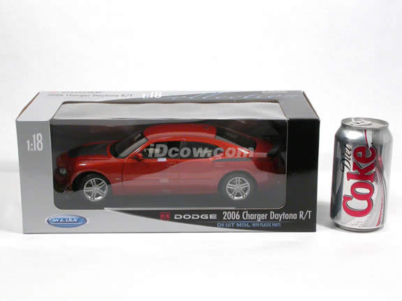 2006 Dodge Charger diecast model car 1:18 scale Daytona R/T by Welly - Copper 18003W
