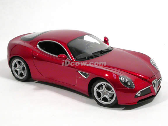 2008 Alfa Romeo 8C diecast model car 1:18 scale Competizione by Welly  - Red 18013w