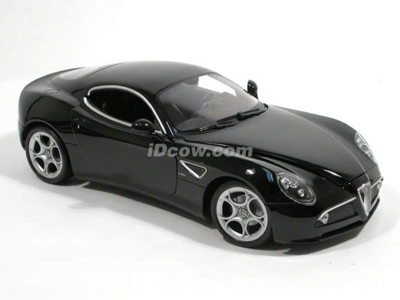 2008 Alfa Romeo 8C diecast model car 1:18 scale Competizione by Welly - Black 18013w