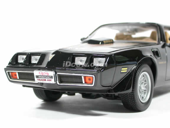 1979 Pontiac Firebird Trans Am diecast model car 1:18 scale die cast by Yat Ming - Black