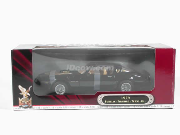 1979 Pontiac Firebird Trans Am diecast model car 1:18 scale die cast by Yat Ming - Black