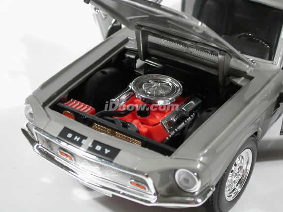 1968 Mustang Shelby Cobra GT 500KR diecast model car 1:18 scale die cast by Yat Ming - Silver