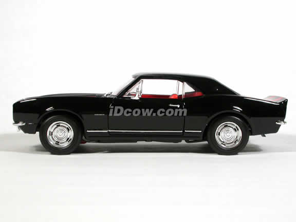 1967 Chevy Camaro Z-28 diecast model car 1:18 scale die cast by Yat Ming - Black