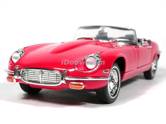 1971 Jaguar E-Type diecast model car 1:18 scale die cast by Yat Ming - Red