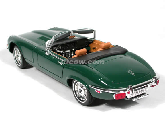 1971 Jaguar E-Type diecast model car 1:18 scale die cast by Yat Ming - Green
